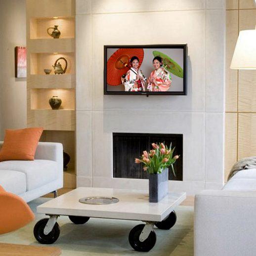kimono-portrait-on-wall