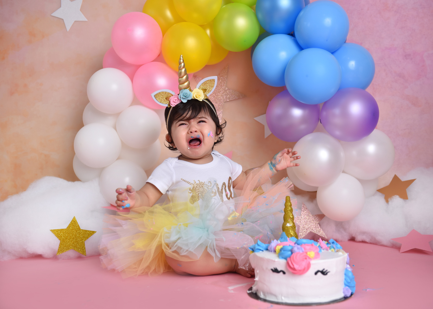 Screaming baby Cake smash photographer-First birthday